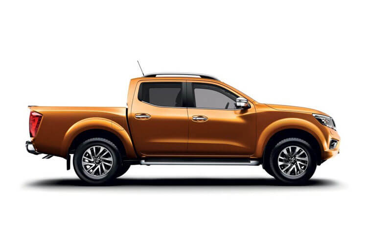 Nissan Navara PickUp DoubleCab 4wdS 2.3 dCi 4WS 190PS Off-Roader AT32 Pickup Double Cab Manual [Start Stop] back view