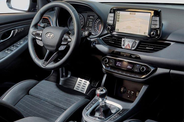 Hyundai i30 Fastback 5Dr 1.4 T-GDi 140PS Premium SE 5Dr Manual [Start Stop] inside view