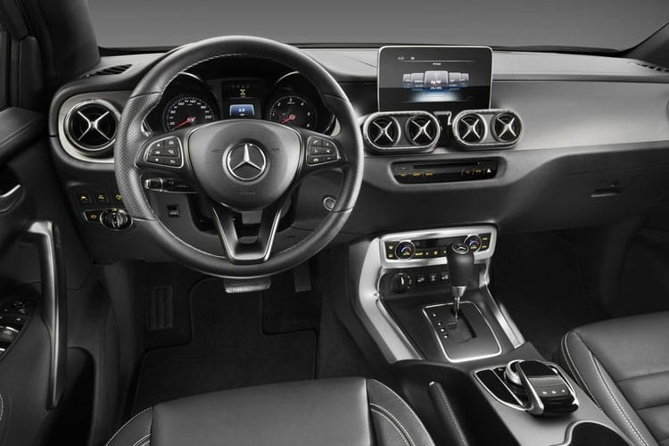 Mercedes-Benz X-Class X220 PickUp DoubleCab 4MATIC 2.3 CDi 4WS 163PS Progressive Pickup Double Cab Manual [Start Stop] inside view